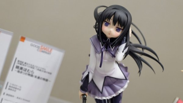 japanese_female_anime_cartoon_figure