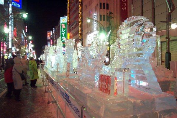 ice_sculptures_sapporo_yuki_matsuri