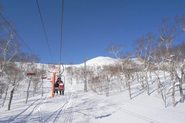 chair_lifts_niseko_ski_resort