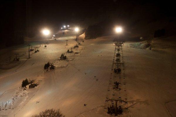 night_skiing_naeba_ski_resort