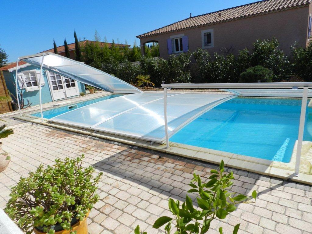 Relevable l 39 abri de piscine comment choisir son for Abri de piscine amovible
