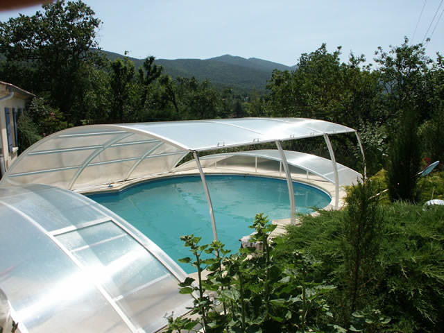 Relevable l 39 abri de piscine comment choisir son for Bequille abri piscine