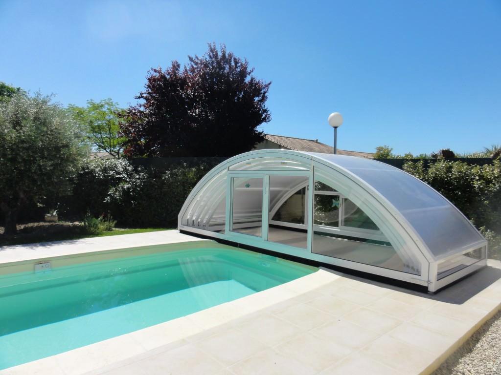 bel abri l 39 abri de piscine comment choisir son prochain abri. Black Bedroom Furniture Sets. Home Design Ideas