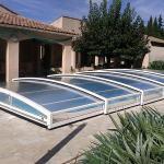 Abri de piscine télescopique modèle Athènes de Bel Abri