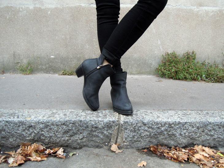 2_boots_duo_erzast_acne_pistol