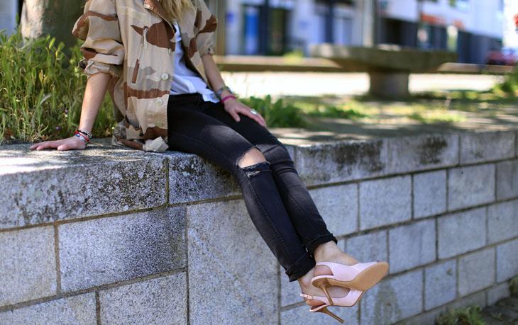 3_look_blog_mode_veste_militaire_vintage_jean_hm_escarpins_nude_valentino