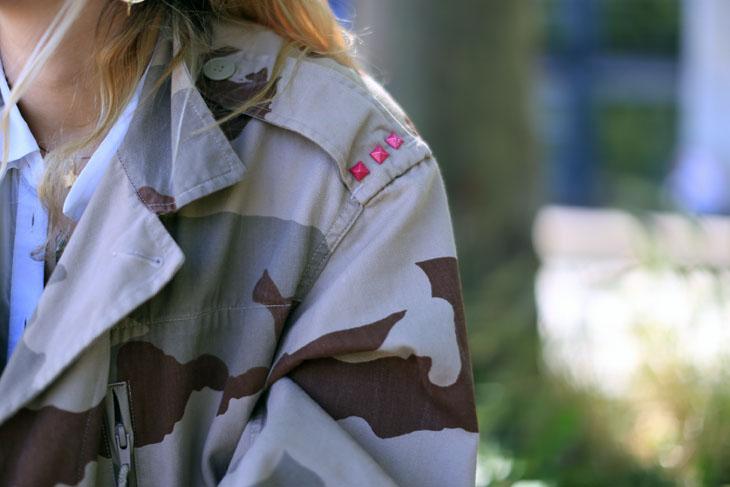 9_look_blog_mode_veste_militaire_vintage_jean_hm_escarpins_nude_valentino