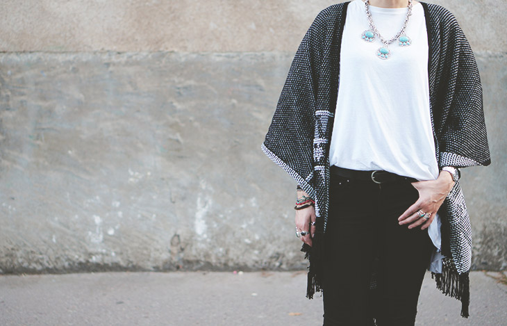 1_look_blog_mode_poncho_new_look_jean_slim_levis_boots_acne_pistol_silver
