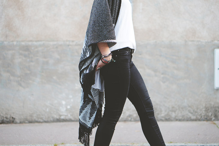 4_look_blog_mode_poncho_new_look_jean_slim_levis_boots_acne_pistol_silver