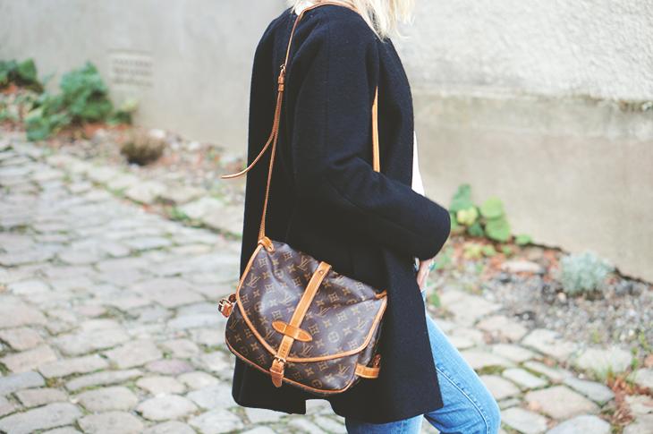 8_look_blog_mode_manteau_laine_cos_boyfriend_jean_j_brand_sweat_hm_saumur_louis_vuitton
