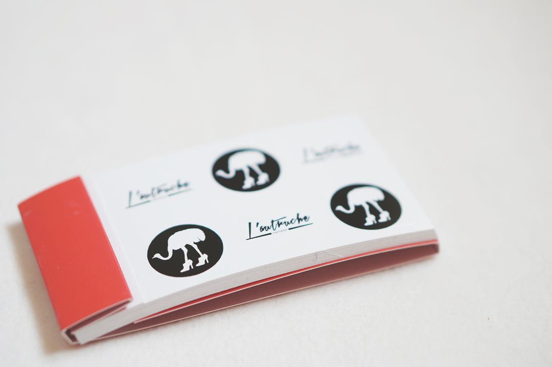 5_cartes_visites_autocollants_moo