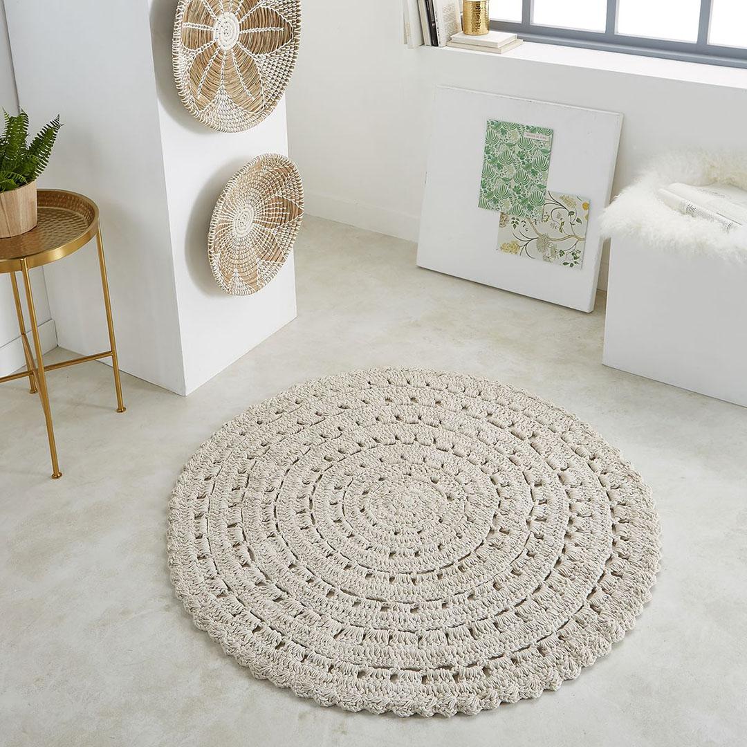 la redoute brigitte bardot tapis rond crochet l 39 autruche. Black Bedroom Furniture Sets. Home Design Ideas