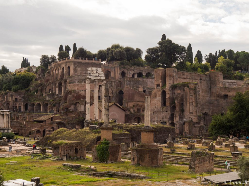 Une Petite Balade Au C Ur De La Rome Antique Le Forum Romain