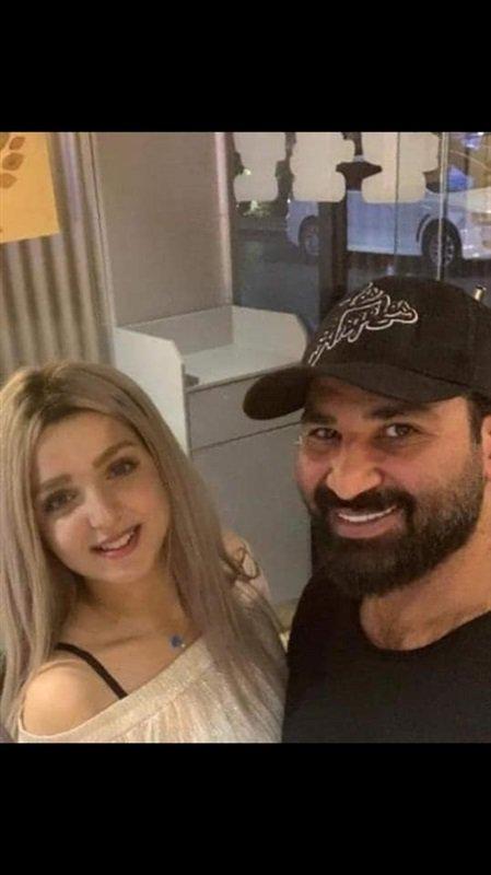 ظهور أحمد سعد مع صديقته الشقراء يثير الجدل على السوشيال ميديا