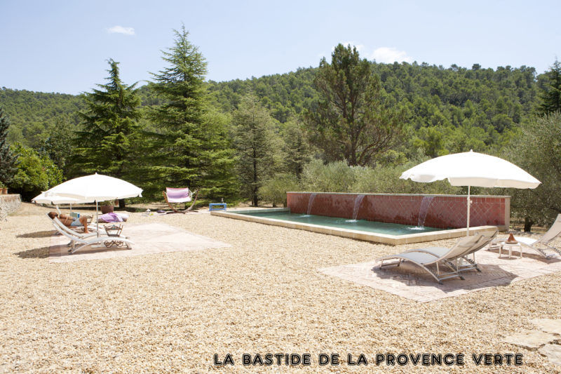bed and breakfast with swimming pool provence