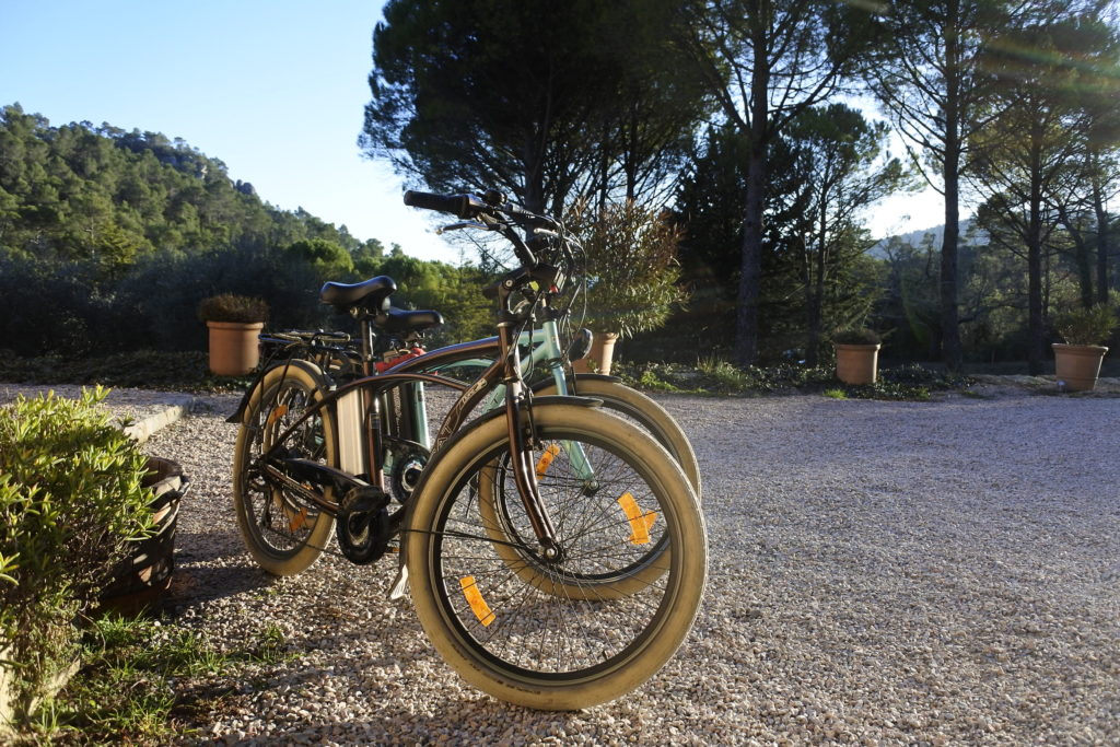 rent electric bikes in Provence