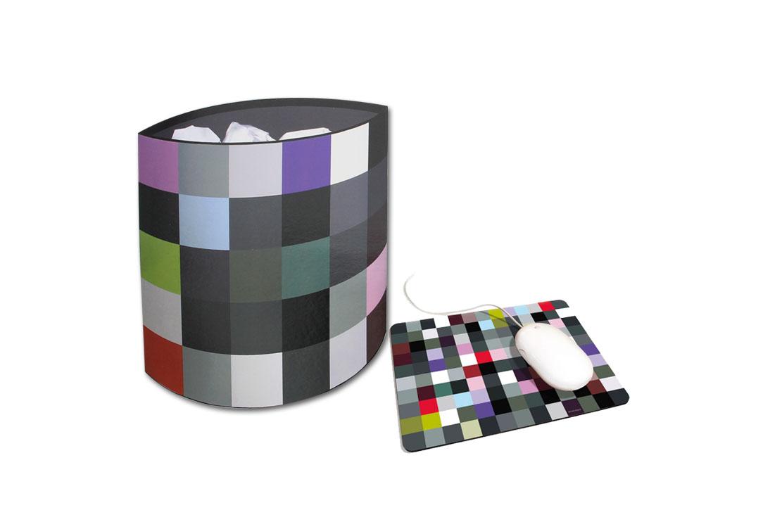Corbeille et un tapis de souris Random Multicolor