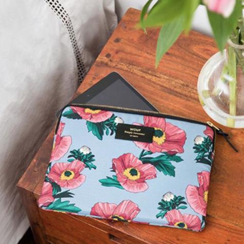 Pochette fleurs rose et bleue Wouf