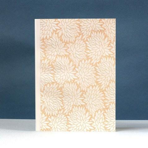 Carnet A5 140p blanches –  Modèle 36 de l'Atelier Mouti, Imprimé floral Jaune