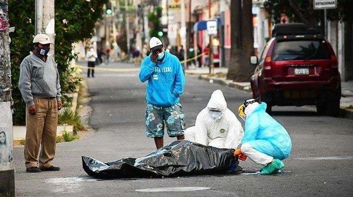 Bolivia muertos en la calle