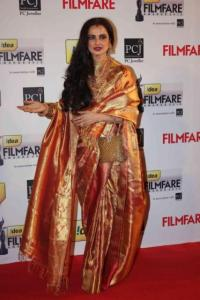 Rekha-Filmfare-Awards-2013