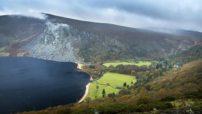 Lough Tay lac montagnes Wicklow Mountains