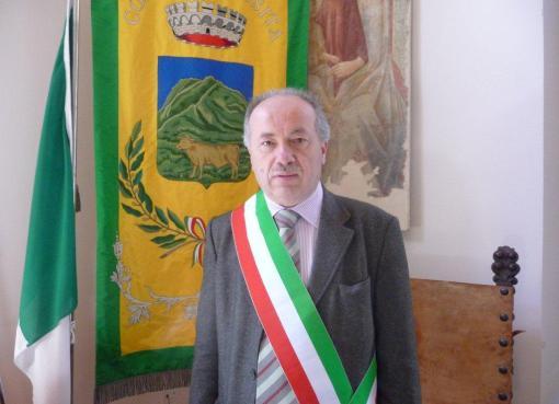 "< img src=""https://www.la-notizia.net/sindaco-ussita-morosi-camping.jpg"" alt=""sindaco morosi ussita camping"""