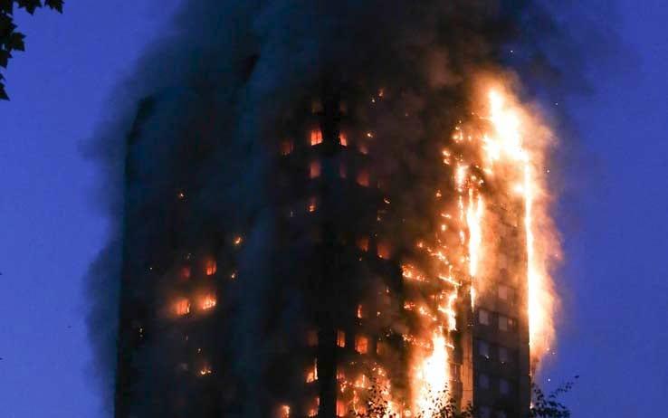 "< img src=""https://www.la-notizia.net/fuoco.jpg"" alt=""fuoco"""