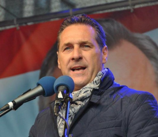 """< img src=""""https://www.la-notizia.net/Heinz-Christian-Strache.jpg"""" alt=""""Heinz Christian Strache"""""""