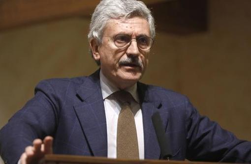 """< img src=""""http://www.la-notizia.net/legge"""" alt=""""legge"""""""