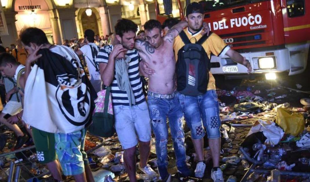 "img src=""https://www.la-notizia.net/piazza-san-carlo"" alt=""piazza san carlo"""