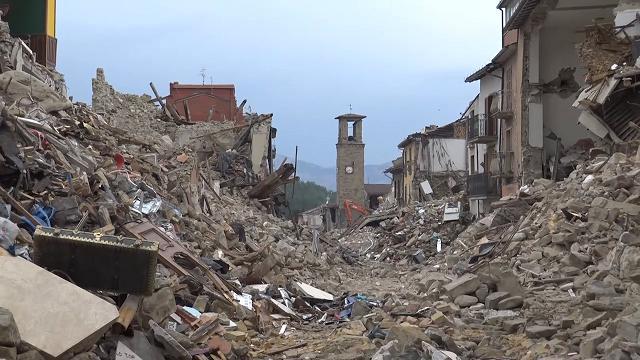 L'Isola Dei Famosi 18: Allarme terremoto il reality salta?