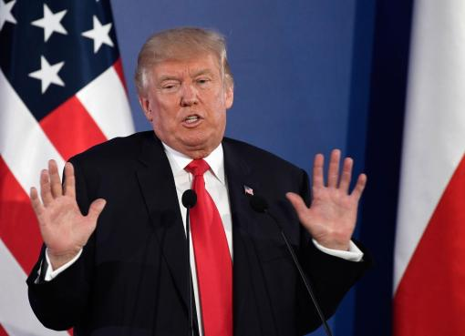 "< img src=""https://www.la-notizia.net/trump"" alt=""trump"""