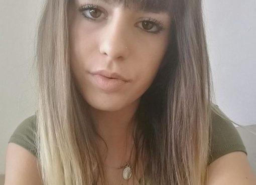 """< img src=""""https://www.la-notizia.net/luisa.jpg"""" alt=""""luisa"""""""
