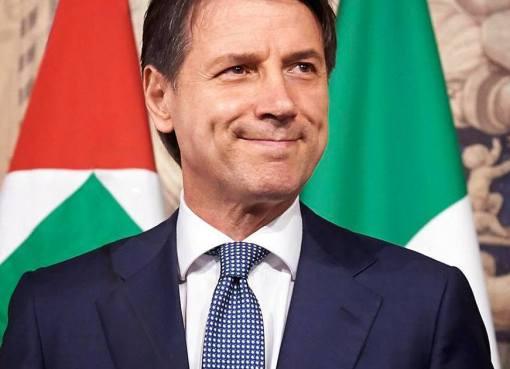 """< img src=""""https://www.la-notizia.net/crisi-di"""" alt=""""crisi di"""""""
