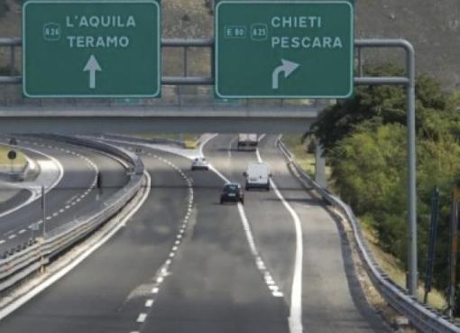 "< img src=""https://www.la-notizia.net/autostrade"" alt=""autostrade"""