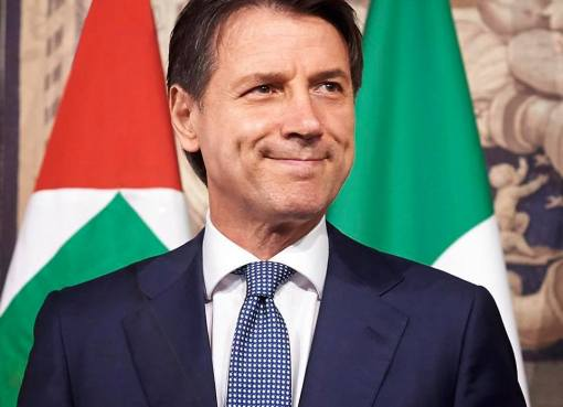 "< img src=""https://www.la-notizia.net/roghi-tossici"" alt=""roghi tossici"""