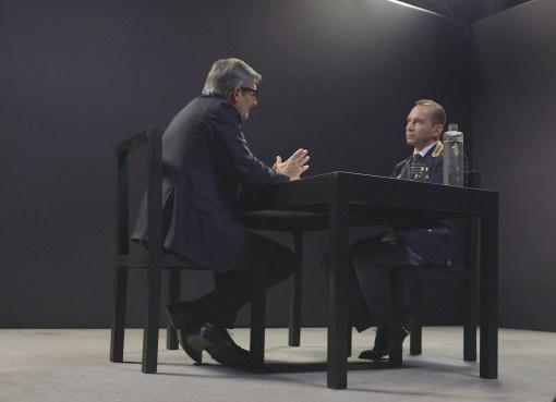 "< img src=""https://www.la-notizia.net/commissari"" alt=""commissari"""
