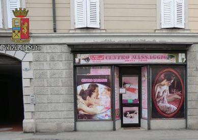 """< img src=""""https://www.la-notizia.net/centro-massaggi"""" alt=""""centro massaggi"""""""