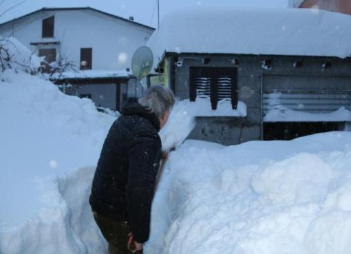 "< img src=""https://www.la-notizia.net/nevicate"" alt=""nevicate"""