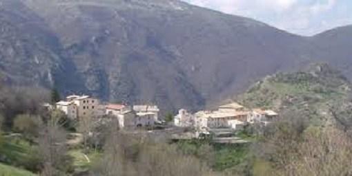"""< img src=""""https://www.la-notizia.net/monte-cavallo"""" alt=""""monte cavallo"""""""
