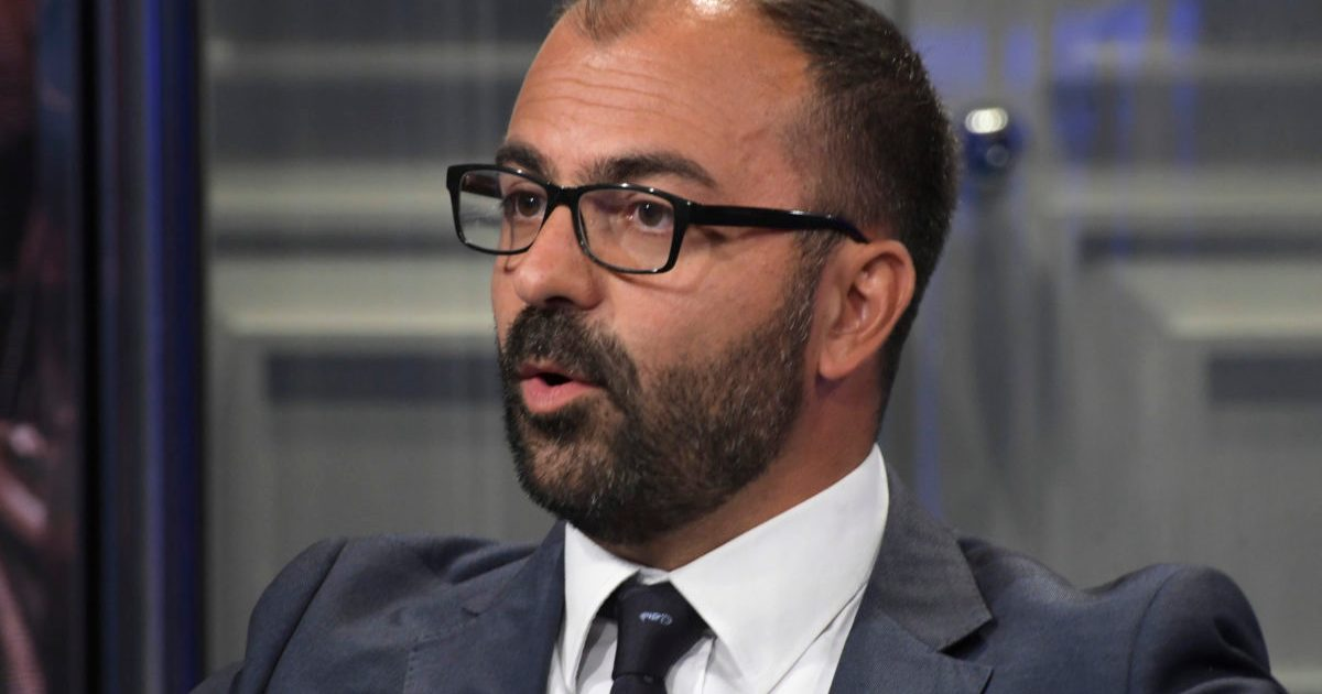 """< img src=""""https://www.la-notizia.net/fioramonti"""" alt=""""fioramonti"""""""