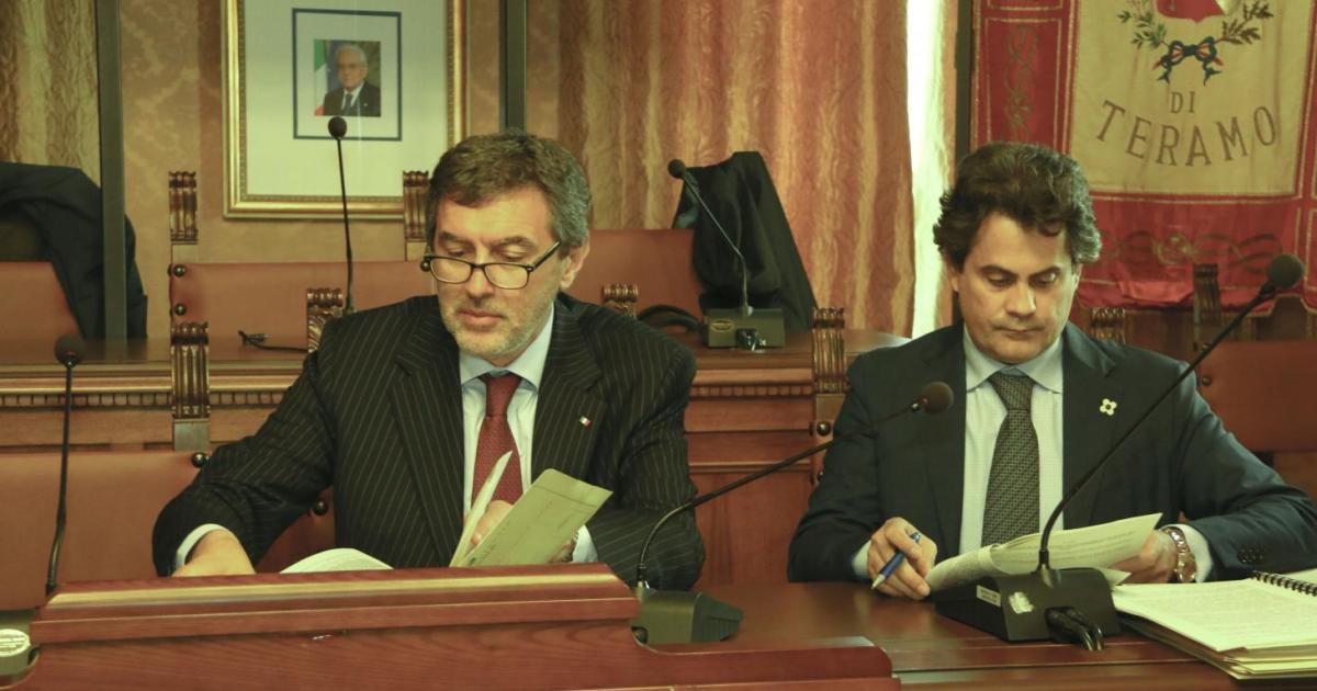 """< img src=""""https://www.la-notizia.net/marsilio"""" alt=""""marsilio"""""""