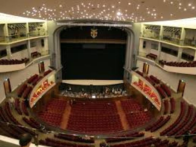 """Il Trovatore"""" di Verdi del 17 giugno su RAI 5 : con Luciano Pavarotti"""