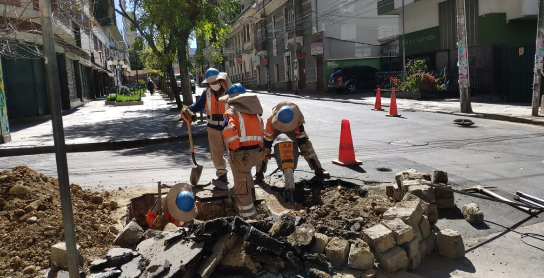https://i0.wp.com/www.la-razon.com/wp-content/uploads/2020/05/obreros-ciudad-cuarentena.jpg?w=1170&ssl=1