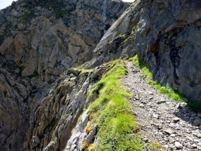 Sentier des miniers avant le Port d'Urets