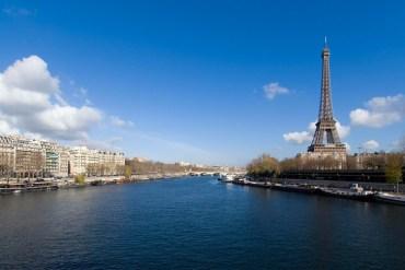 Paris-Tour-eiffel-city-guide-Wanda-NC