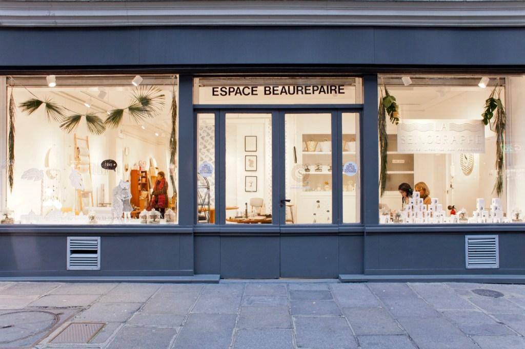 vitrine-boutique-la-seinographe-espace-beaurepaire