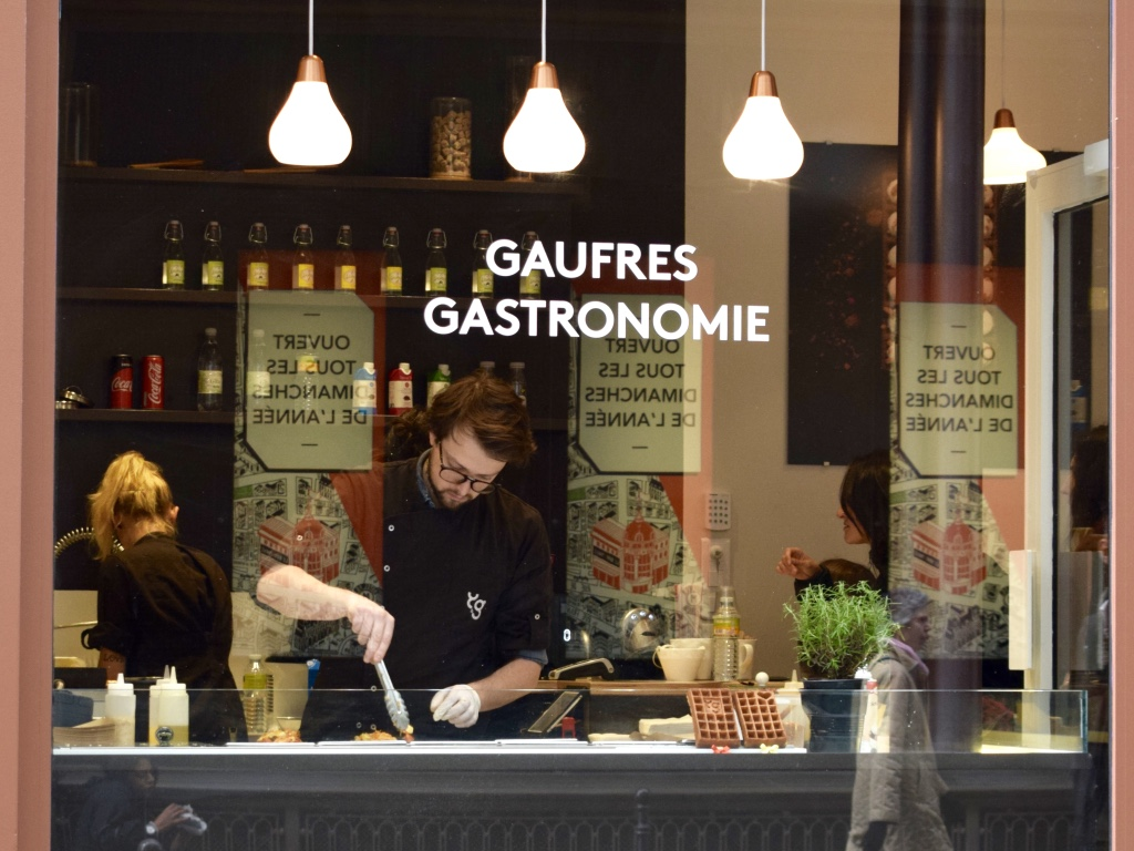 gaufre-sucre-sale-yummy-and-guiltfree-rue-du-temple-paris-2