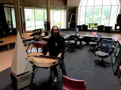 La Voix Du Luthier at Peter Gabriel's Real World Studio